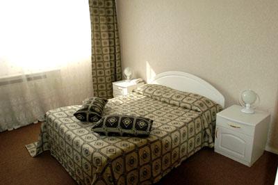 Вместительный двухкомнатный номер  в гостинице Севастополь Классик
